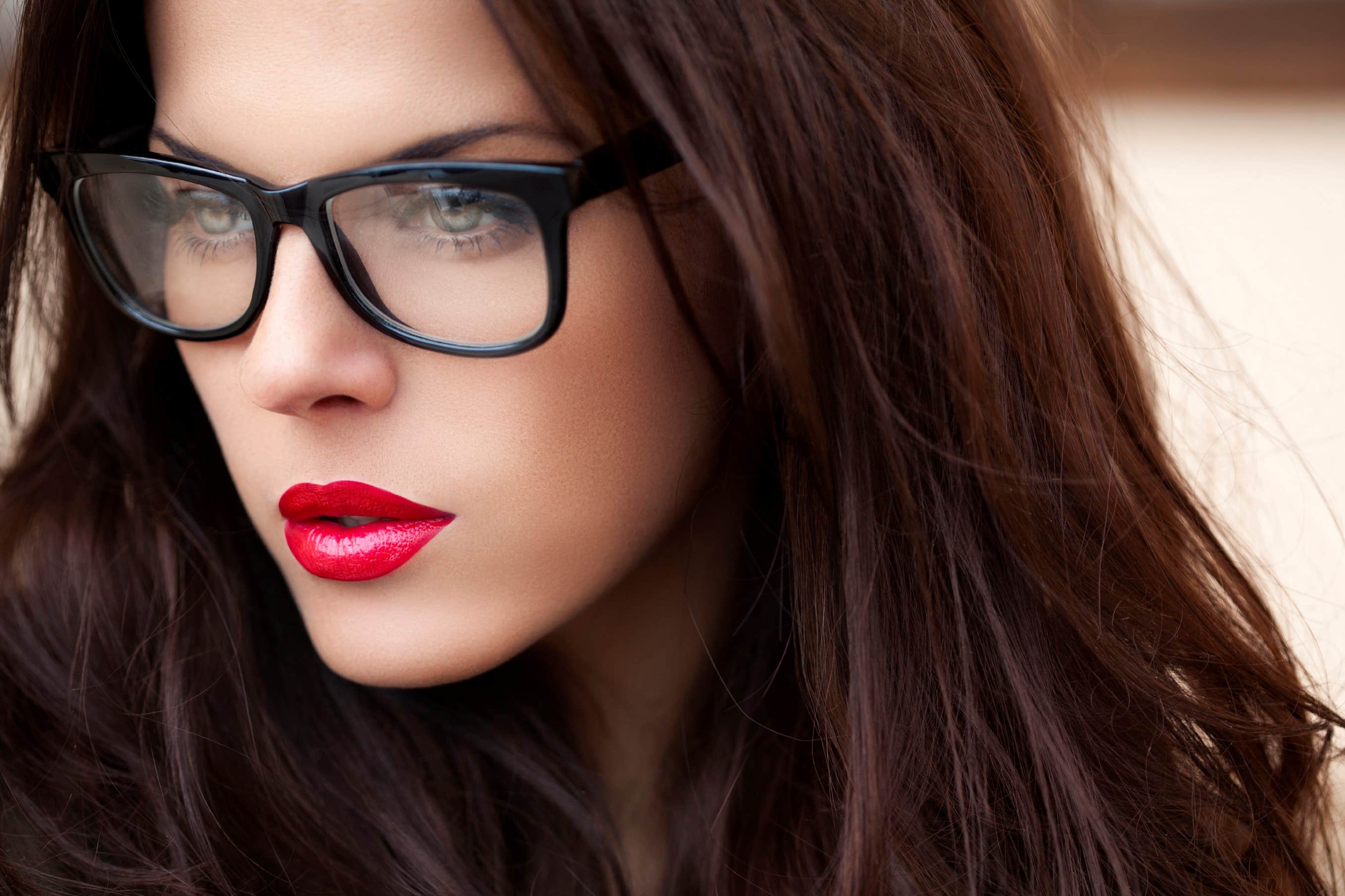 Rimless Glasses Makeup : A Guide To Wearing Makeup With Glasses - Goggles4u.co.uk